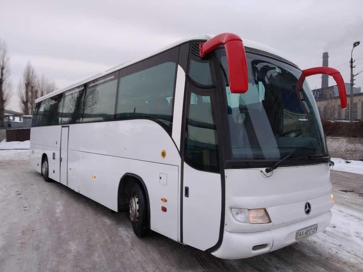 arenda-avtobusa-mercedes